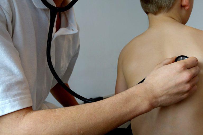 Надання медичних послуг неповнолітнім